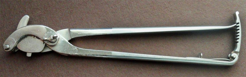 Emasculator